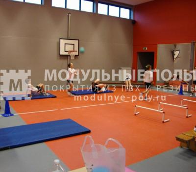 Напольное покрытие спортзала в детском лагере