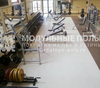 Тренажерный зал с зоной бокса