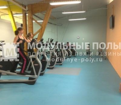 Зал кардиоупражнений в фитнес клубе